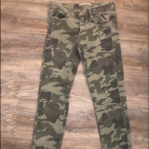 Zara Camo Jeans in size 4 - only worn once!!